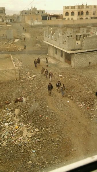 عاجل.. شاهد اولى الصور لمواجهات اليوم بين مليشيا الحوثي ومسلحين قبليين في صنعاء