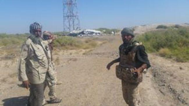 """مصرع وإصابة """"33"""" حوثيا… والجيش الوطني يسيطر على جبل النار"""