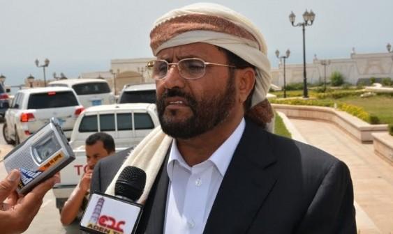 محافظ مأرب يعلن مباركته وتأييده لقرارات الرئيس هادي