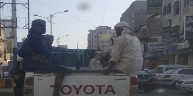 عدن:سيارات بدون ارقام ومسلحون ملثمون..ظاهرة تؤرق سكان المدينة