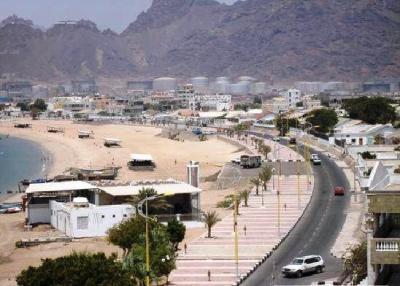 مسلحون بزيا عسكري يخطفون ثلاثة صحفيين في عدن