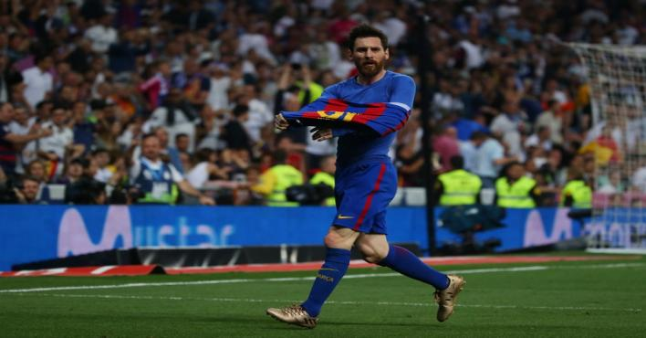 ميسي يمنح فريقه برشلونة قبلة الحياة