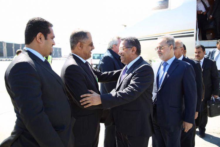رئيس الوزراء يصل إلى سويسرا للمشاركة في اجتماع تمويل خطة الاستجابة الإنسانية لليمن