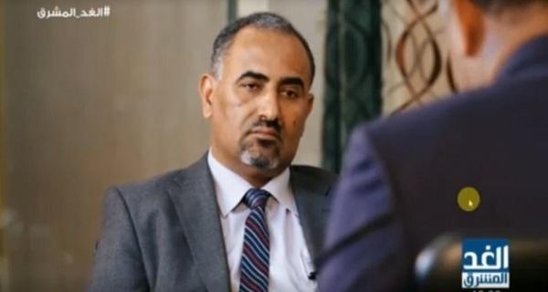 الزبيدي يواصل عرقلة تطبيع الاوضاع في عدن ويمهد لإعلان الانفصال