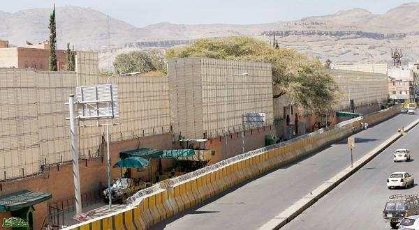 عااجل ..السفير السعودي لدى اليمن يعلن اعادة فتح مكاتب اصدار التشيرات لليمنيين بجدة (تفاصيل)