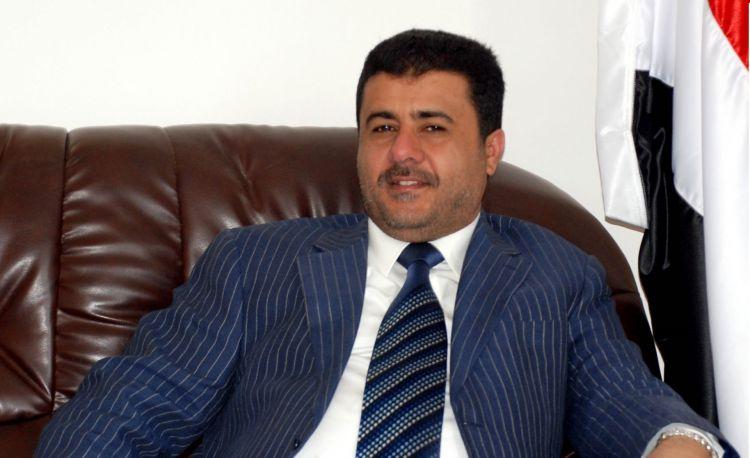 العيسي يوجه بمنح إكرامية لكل لاعب في المنتخب اليمني ورفع رواتبهم