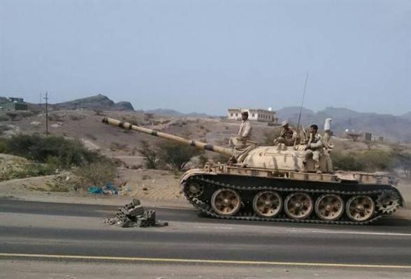 أفراد الجيش يدكون تجمعات الانقلابيين في دمت