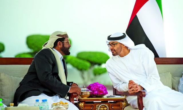 على غرار بيادقها في عدن… الإمارات قدَّمت عروضاً سخية لإغواء محافظ مأرب (تفاصيل)