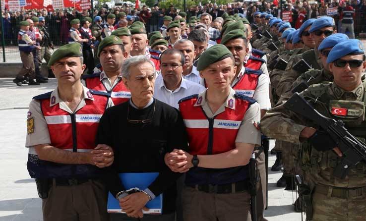 تركيا تبدء بمحاكمة 20 جنرالا كبيرا تورطوا في محاولة الانقلاب الفاشل