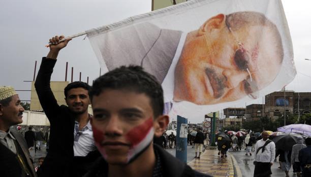 """الاعلام وسيلة التواصل """"المشفر"""" بين المخلوع والسعودية"""