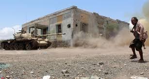 أفراد الجيش يصدون هجوما للانقلابيين في لحج ومقتل وجرح أكثر من 40