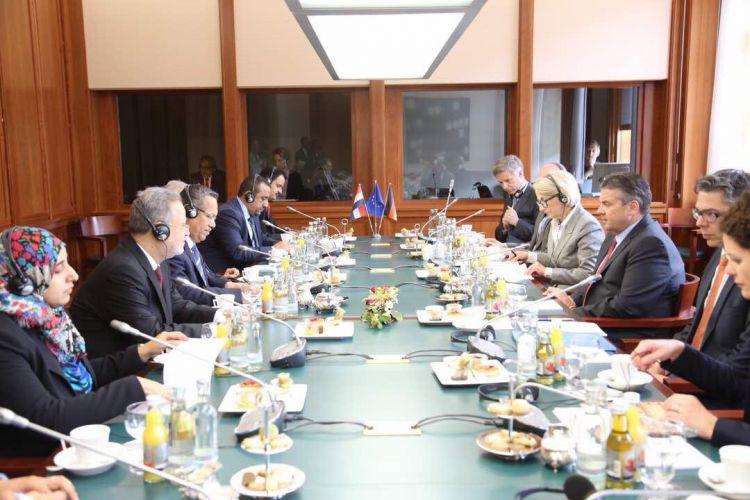 """الحكومة الالمانية تؤكد دعما للشرعية في لقاء مع رئيس الوزراء """"بن دغر"""""""