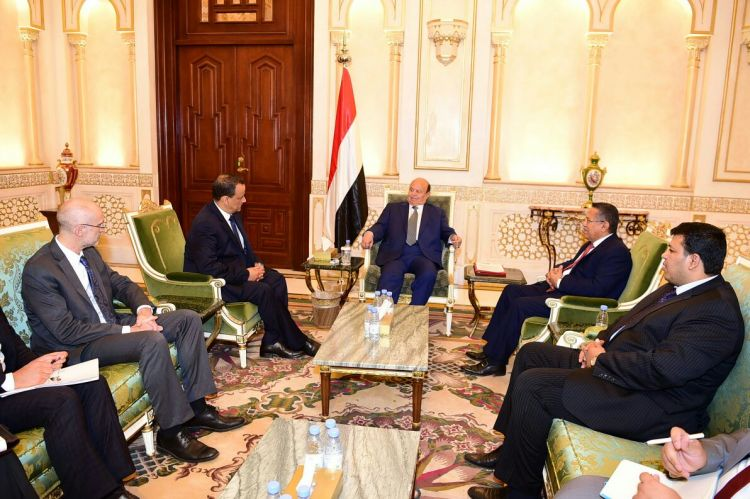 الرئيس هادي يستقبل المبعوث الاممي إلى اليمن اسماعيل ولد الشيخ
