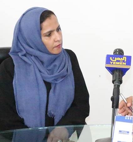 مليشيات الحوثي تعتدي بالضرب على وزيرة بحكومة الانقلاب في صنعاء