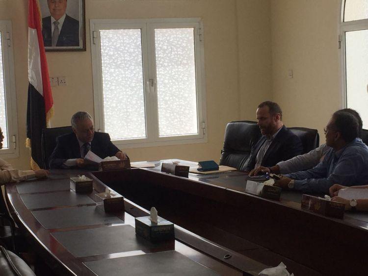 محافظ عدن يلتقي فريق الأمم المتحدة للتنمية الإنمائية