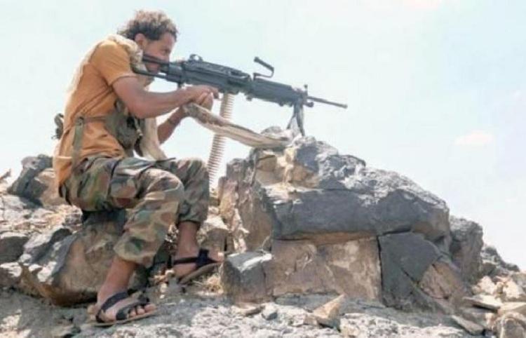 الجيش الوطني يتقدم بالكدحة ويسيطر على عدد من المباني في الجبهة الشرقية بتعز