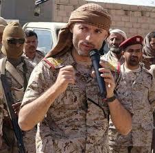 قوات تتبع هاشم الأحمر في منفذ الوديعة تحاصر منزل ضابط كبير بالجيش ومشائخ حجور يصدرون بيان