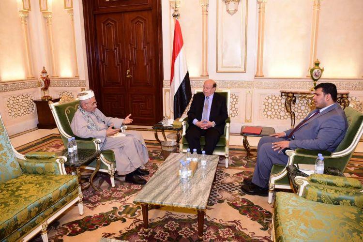الرئيس هادي يستقبل رئيس المحكمة العليا ويوجه بتذليل الصعاب لعودة عمل المحاكم والنيابات