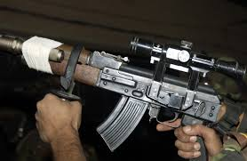 قائد حوثي يطلق النار على مسلحيه بعد رفضهم الهجوم على مواقع الجيش الوطني في الجوف