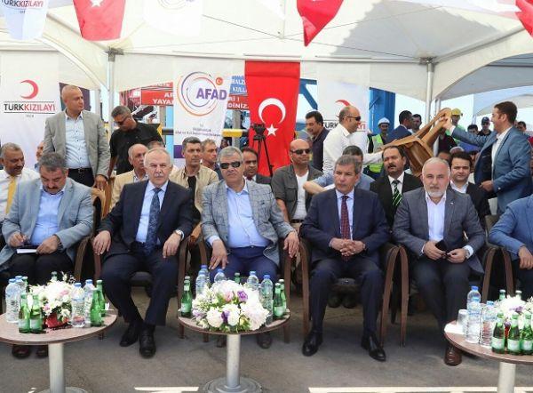 تركيا ترسل سفينة مساعدات تحمل على متنها 10 الاف طن دقيق و 60 طن من الادوية إلى عدن