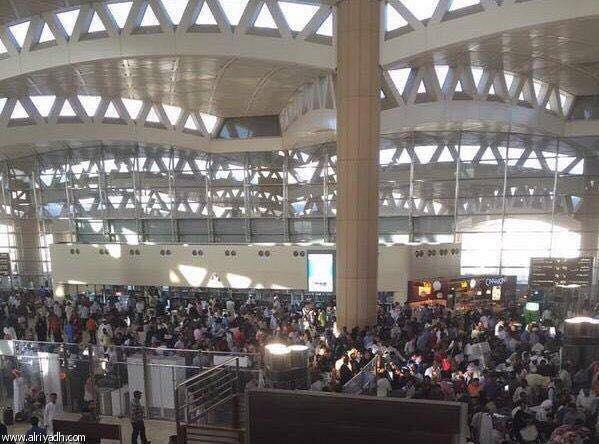 شاهد بالصورة.. مئات الوافدون يغادرون الرياض مع بدء تحصيل رسوم المرافقين للوافدين