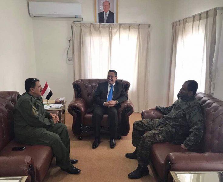 """رئيس الوزراء يلتقي """"شلال شائع"""" في عدن وهذا ما دار في اللقاء"""