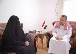 رئيس الحكومة يندد بالممارسات التي يقوم بها الحوثيون ضد المختطفين في سجونهم