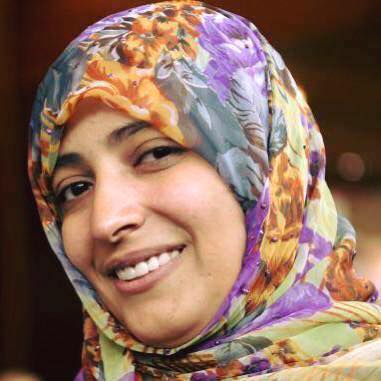 """الناشطة اليمنية توكل كرمان تهاجم حشود المخلوع صالح: """"هل أعادت حشود القطيع الجمهورية ؟!!""""."""