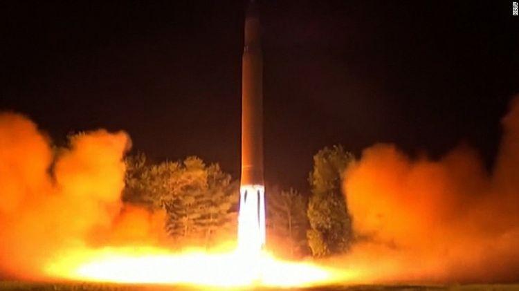 كوريا الشمالية تختبر صاروخاً باليستيا عابراً للقارات يمكن أن يصل إلى ولاية الاسكا في امريكا