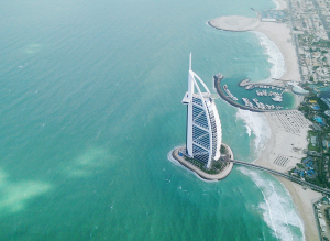 انخفاض الناتج المحلي الإجمالي للفرد بشكل حاد في الإمارات.. خلافاً لدول الخليج الأخرى