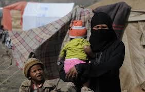 موظفو اليمن بلا رواتب منذ 9 أشهر.. أزمة منسية وسعّت من رقعة الفقر