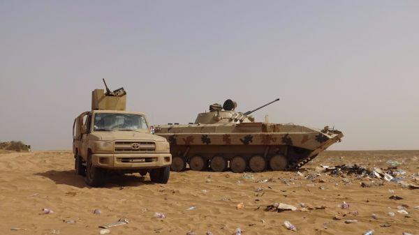 الجيش الوطني يشن هجوماً كاسحاً على مواقع الانقلابيين في ميدي