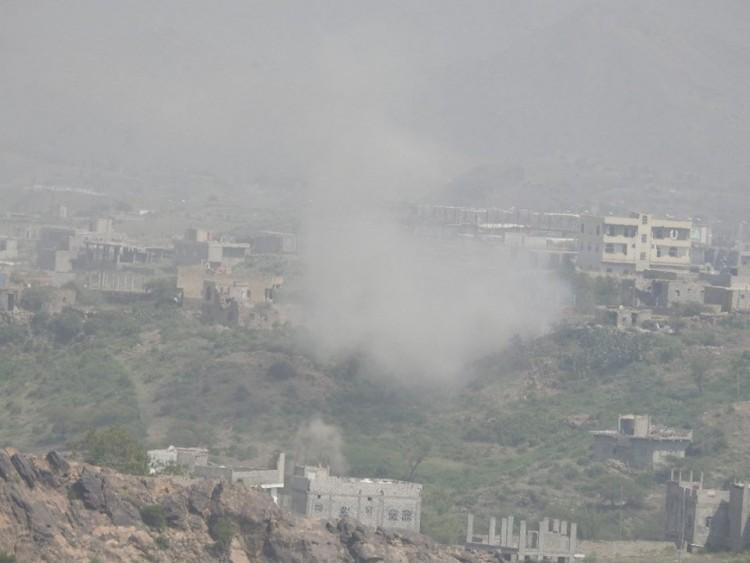 الجيش الوطني يستعيد مواقع جديدة إثر معارك مع الانقلابيين في تعز