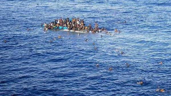"""تفاصيلل مقتل عشرات المهاجرين """"أغرقوا عمدا"""" في بحر العرب قبالة سواحل اليمن"""