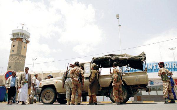 نجل شقيق المخلوع صالح يدعو الحوثيين لاستهداف مطارات السعودية والإمارات