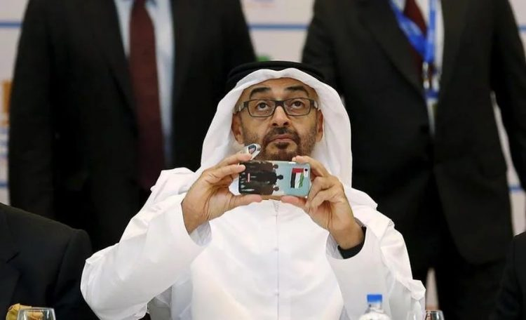 """كاتب سعودي: أبو ظبي تستخدم """"عاهرات"""" لإسقاط مسؤولين وضباط كبار وتمتلك ملفات قد تدمر مجتمعات بأكملها لو نشرت"""