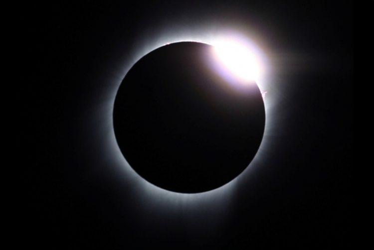 الاثنين المقبل.. كسوف الشمس الكلي لن تراه سوى أمريكا!