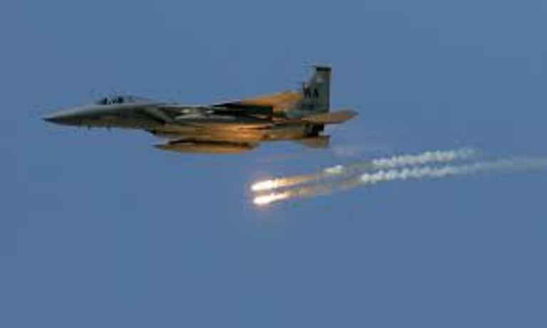 طيران التحالف يقصف مواقع وتجمعات المليشيات الانقلابية في مارب