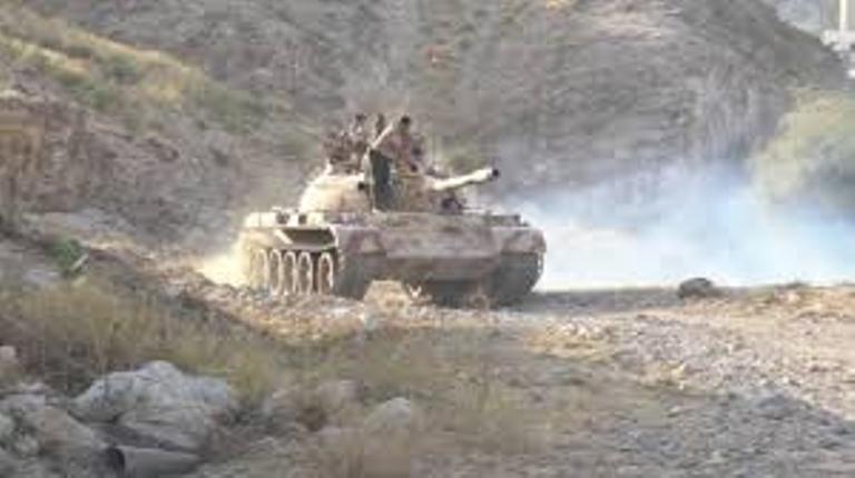 معارك عنيفة بين قوات الجيش الوطني والمليشيات الانقلابية في تعز