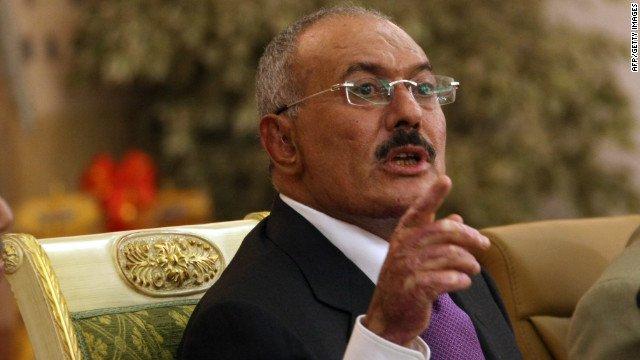 صحيفة سعودية تنشر خبر مقتل علي عبدالله صالح، ومقرب من المخلوع يكشف الحقيقة