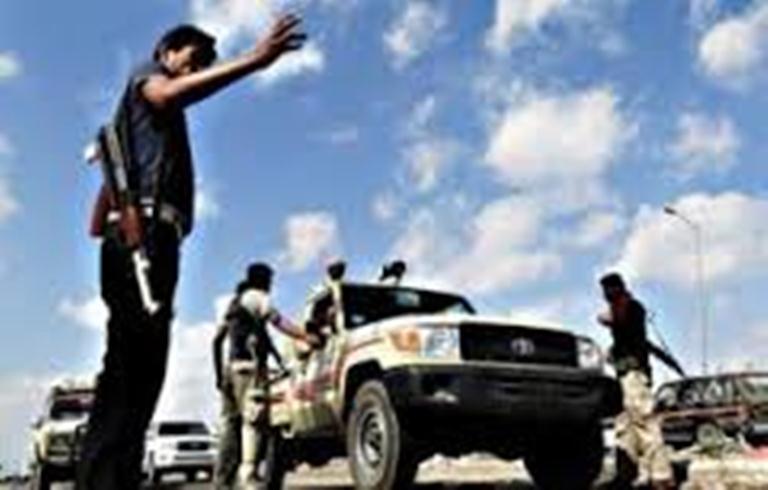 مسلحون يتبعون تنظيم القاعدة يغتالون قياديا في اللجان الشعبية بمديرية لودر في ابين