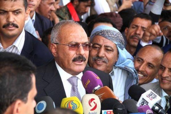هكذا خيّب آمالهم.. المخلوع صالح جمع أعضاء حزبه إلى السبعين بصنعاء لكنه لم يقل شيئاً من أجلهم