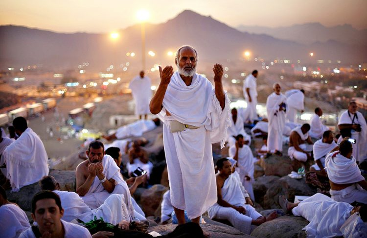 أول فوج من الحجاج اليمنيين يصل المدينة المنورة