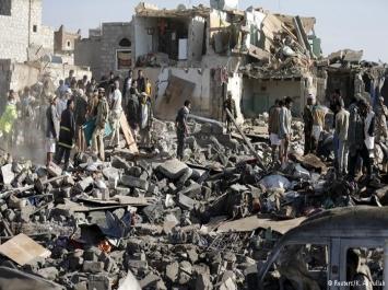 هام… الحكومة الشرعية تعلق على مزاعم استهداف التحالف لمنزل سكني في صنعاء