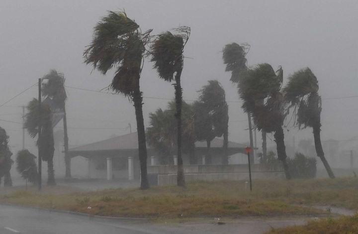 """إعصار """"هارفي"""" يكبد الاقتصاد الأمريكي 24 مليار دولار"""