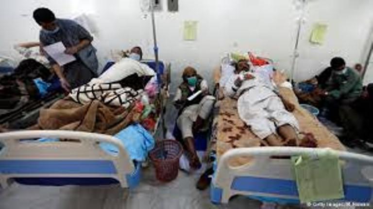 """اليمن الذي نكبه الحوثيون بـ""""الكوليرا"""".. لماذا عادت الكوليرا في اليمن؟"""