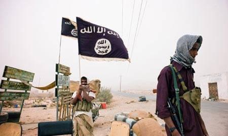 القاعدة تغتال ضابط اماراتي وتصيب مواطن يمني بمديرية دوعن في حضرموت