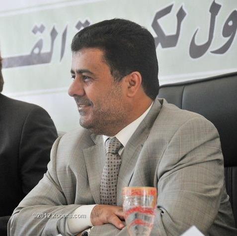 رئيس اتحاد كرة القدم الشيخ احمد العيسي يكافئ لاعبي المنتخب اليمني بعد تعادلهم مع الفلبين