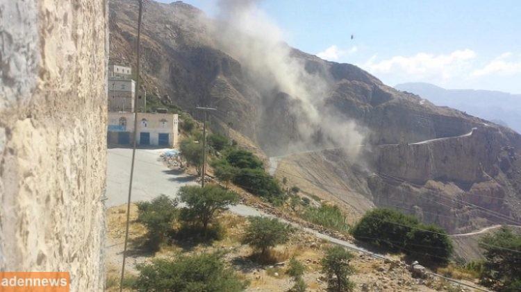 حجة: طيران التحالف العربي يدمر دبابتين و4 عربات عسكرية للحوثيين في مستبا