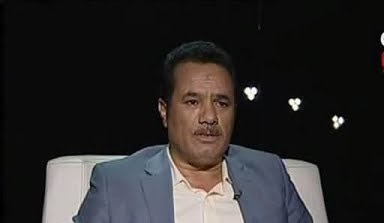 """ايقاف قيادي  """"مؤتمري"""" عن العمل ومليشيا الحوثي تنفذ حملة بحث واسعة عنه بتهمة """"التر ويج لداعش"""" (وثائق)"""